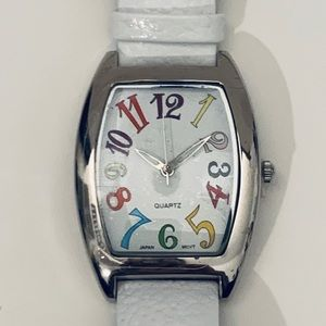 🍄Fashion Quartz movement Watch White Leather Band